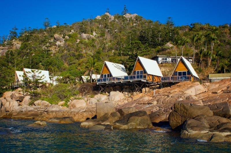 magnetic island package deals